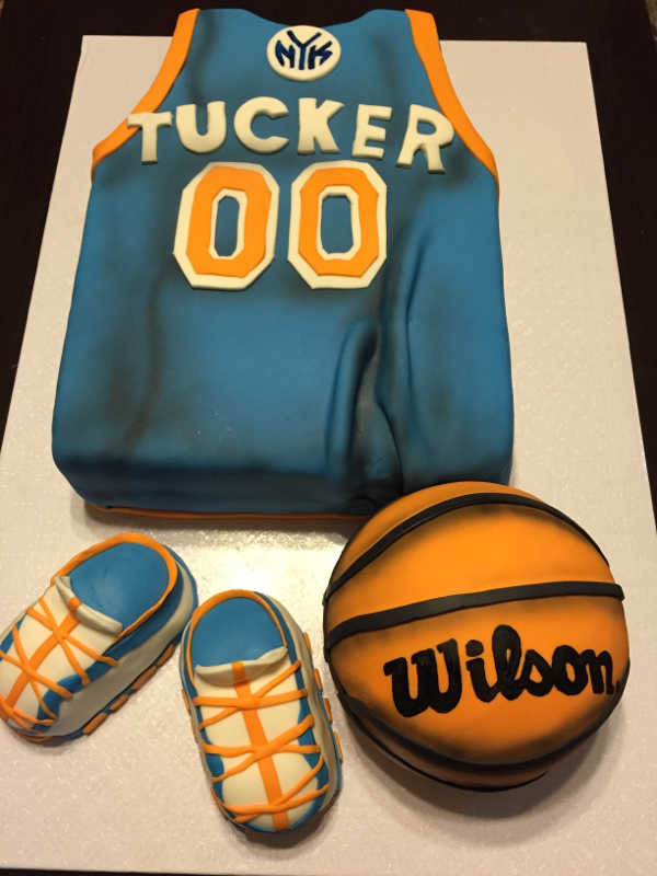 Nice Basketball Everyyything For This Soon To Be Mommy! This Family Loves The  New York Knicks And Wanted Their Baby Shower To Be All About The Team.